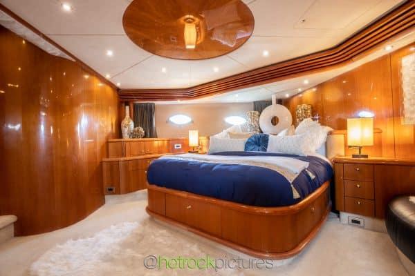 84' Sunseeker bedroom